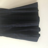 Charles Campbell College winter skirt(size4)